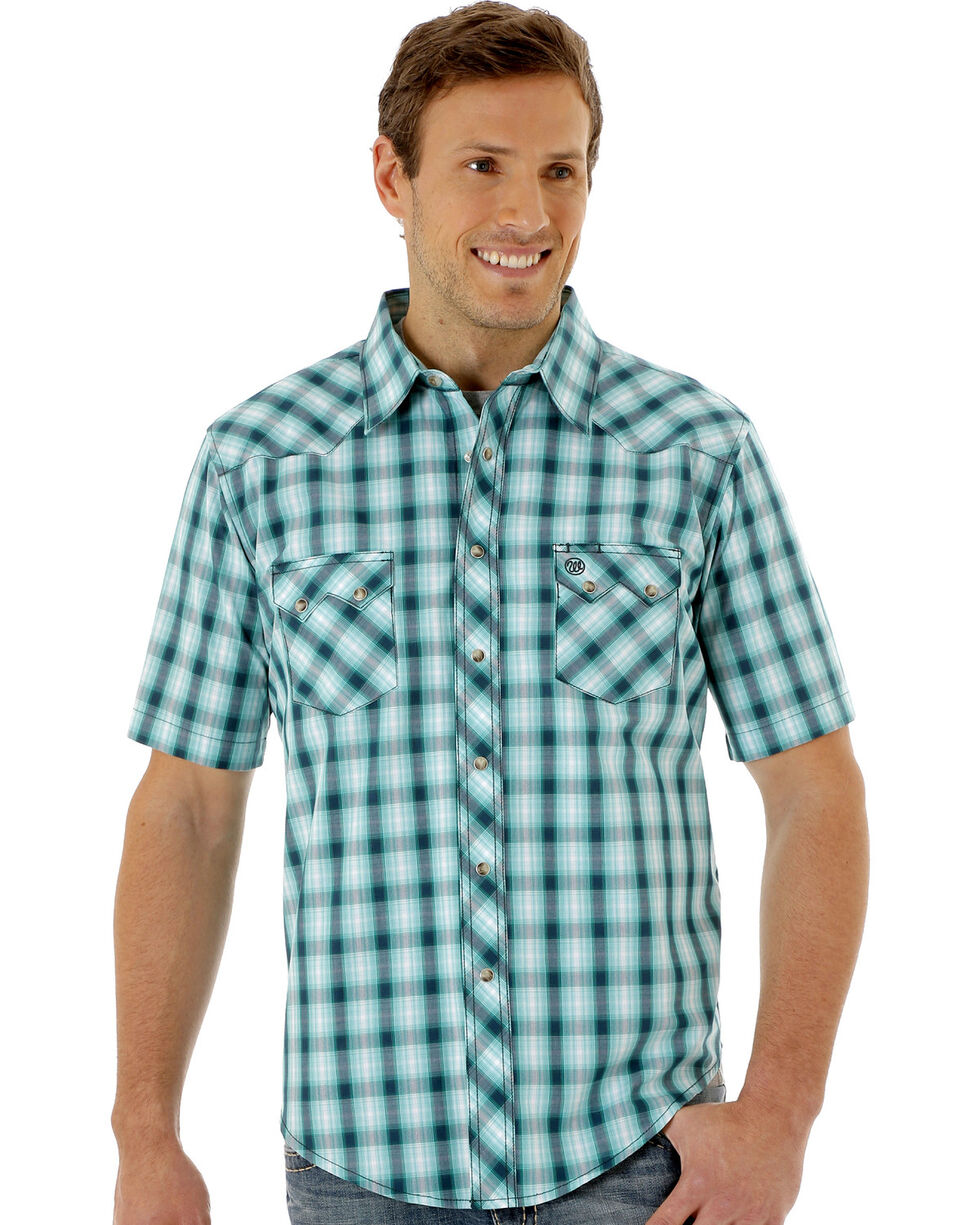 Wrangler Men's Green Plaid Short Sleeve Western Shirt, Green, hi-res