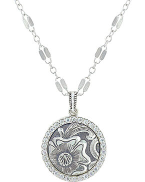 Sterling Lane Women's Daisy Vignette Necklace , Silver, hi-res