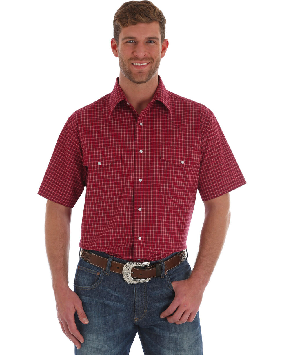 Wrangler Men's Wrinkle Resist Red Plaid Short Sleeve Western Snap Shirt , Red, hi-res