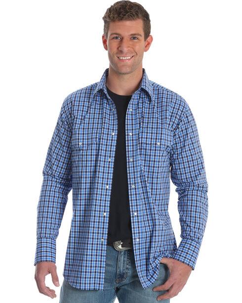Wrangler Men's Blue Plaid Wrinkle Resistant Western Shirt , Blue, hi-res