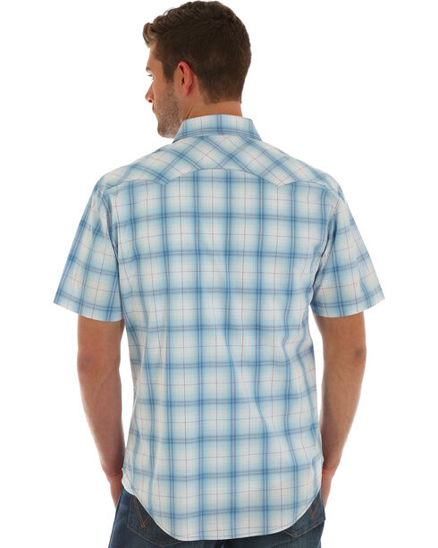 Wrangler Retro Men's Blue Short Sleeve Plaid Shirt , Light Blue, hi-res