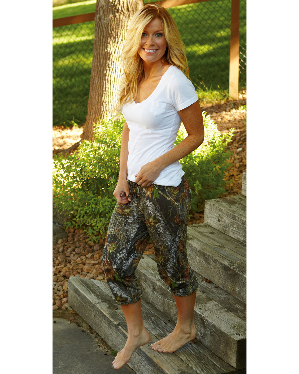 Wilderness Dreams Mossy Oak Break-Up Capris, Camouflage, hi-res