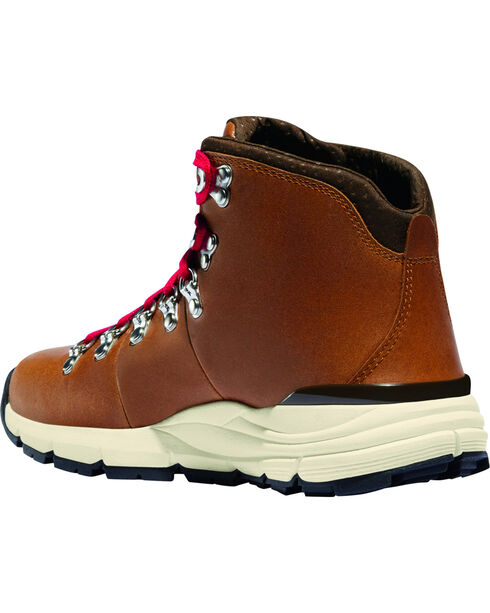 Danner Men's Saddle Tan Mountain 600 Hiking Boots - Round Toe, Tan, hi-res