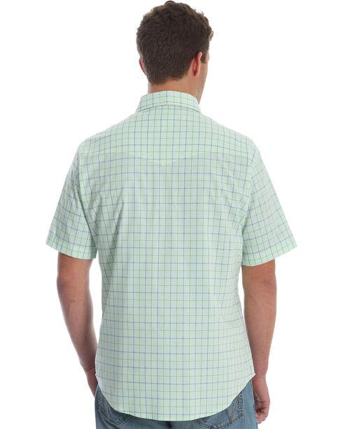 Wrangler Men's Green Wrinkle-Resist Plaid Shirt , Green, hi-res