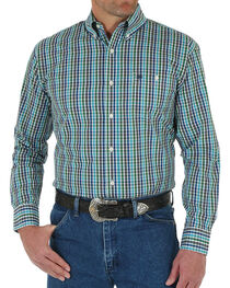 Wrangler Men's Classic Plaid Button Down Long Sleeve Shirt, , hi-res