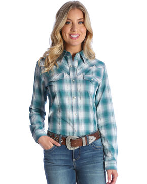 Wrangler Women's Turquoise Fancy Yoke Western Shirt , Green, hi-res