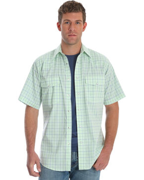 Wrangler Men's Green Wrinkle-Resist Plaid Shirt , Green, hi-res