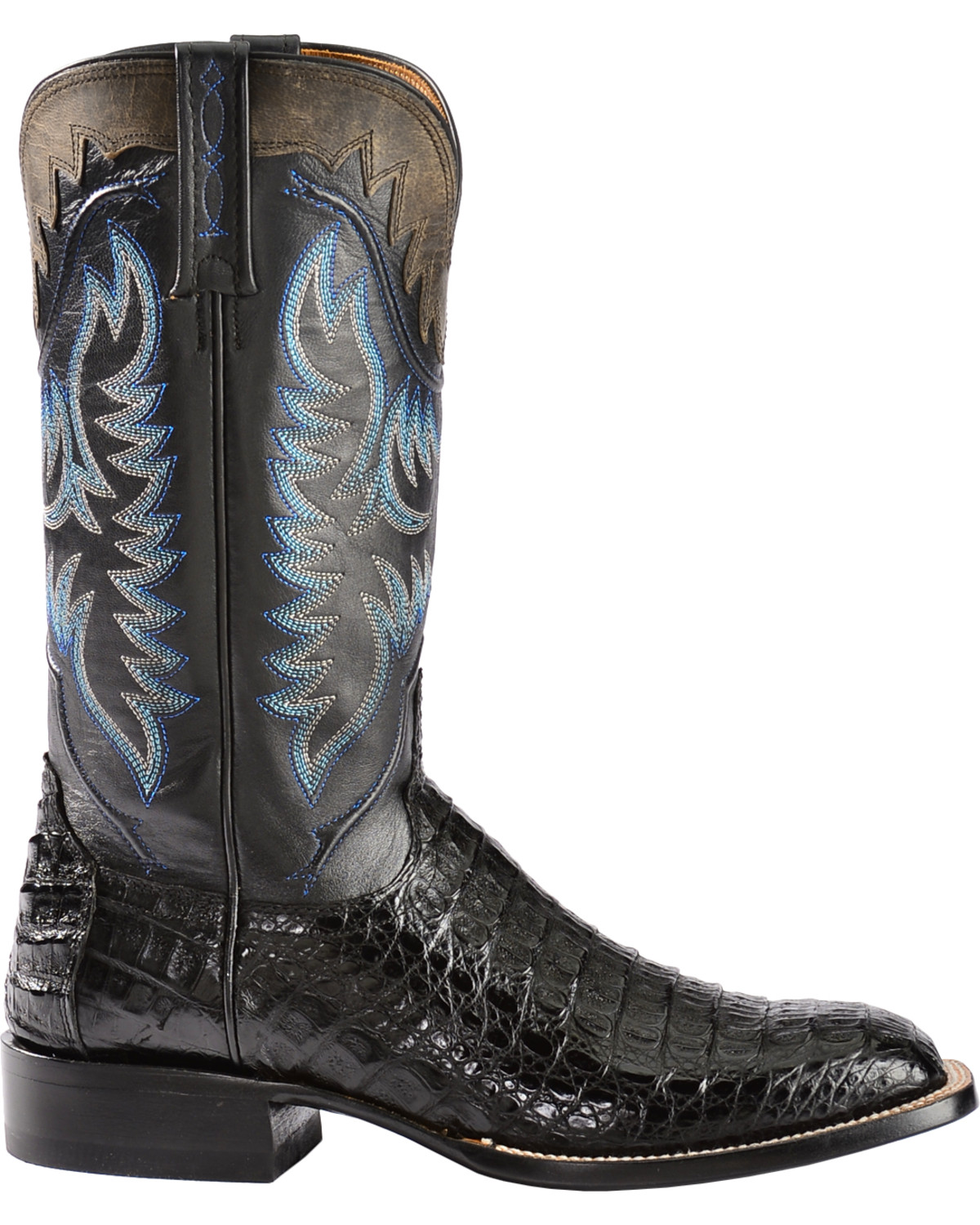 Wolverine Men's W Buccaneer Boot As another boot recommended for flat feet are the Wolverine Men's Buccaneer Boots which are constructed with multi-shock absorbing compression pads molded directly in the outsole providing thick, cushioning comfort with every step.
