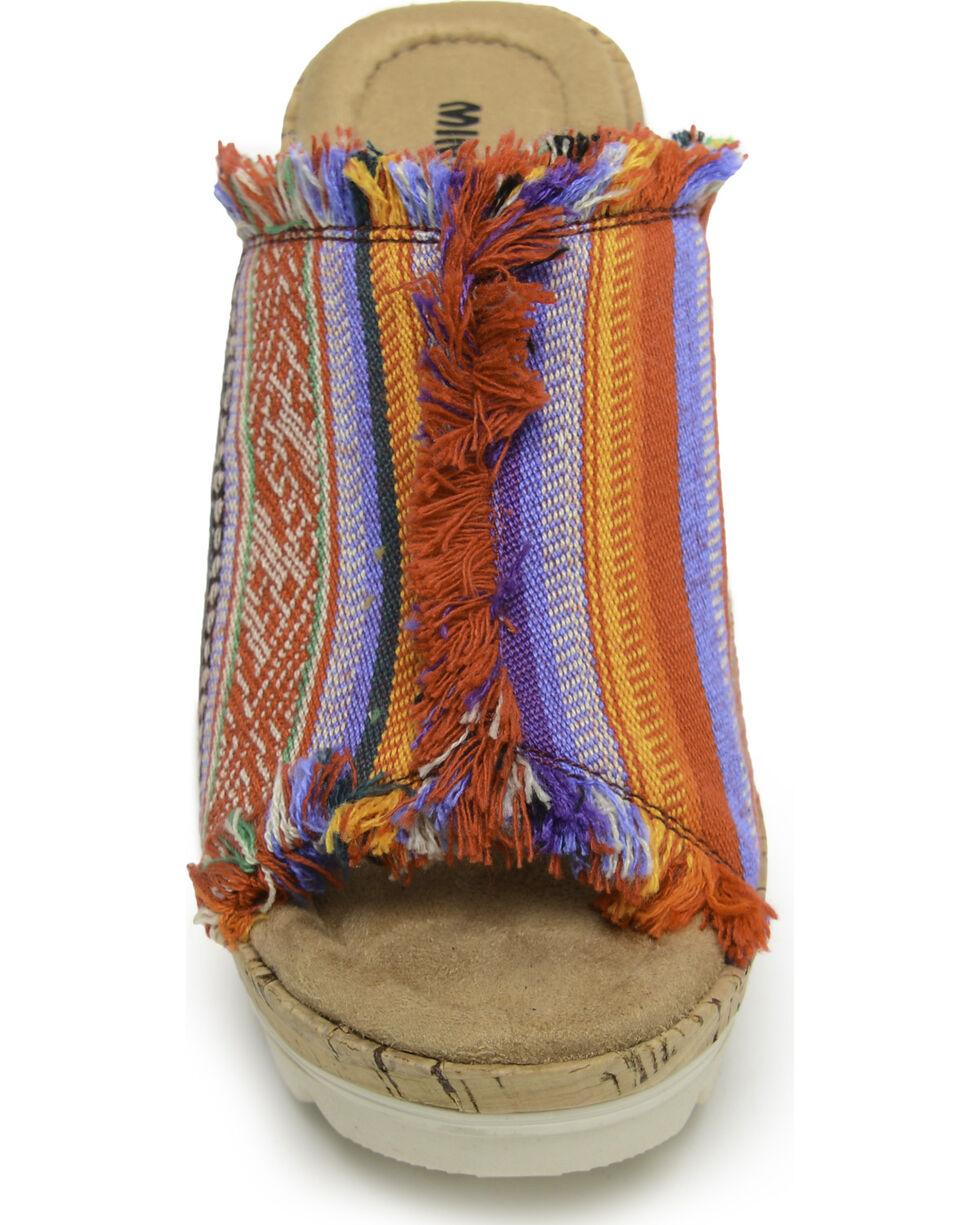 Minnetonka Women's York in Frisco Stripe Wedge Sandals , Multi, hi-res