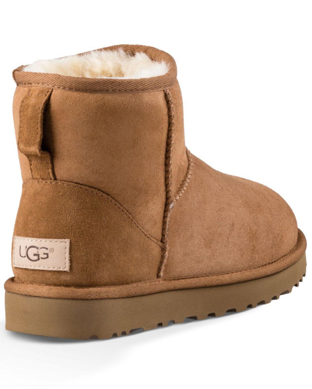 UGG Women's Classic Mini Boots - Round