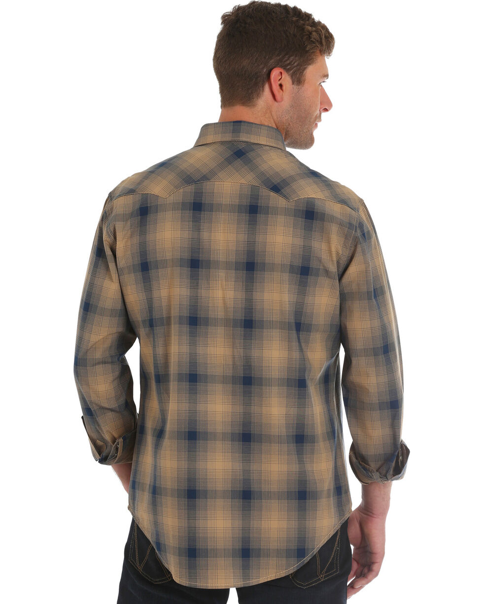 Wrangler Men's Retro Brown Plaid Western Shirt , Brown, hi-res