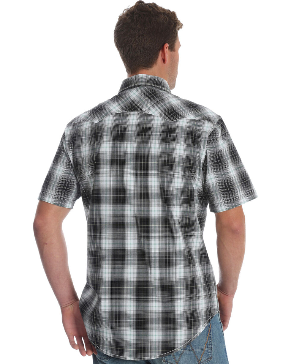 Wrangler Retro Men's Black Plaid Sawtooth Pocket Short Sleeve Shirt , Black, hi-res