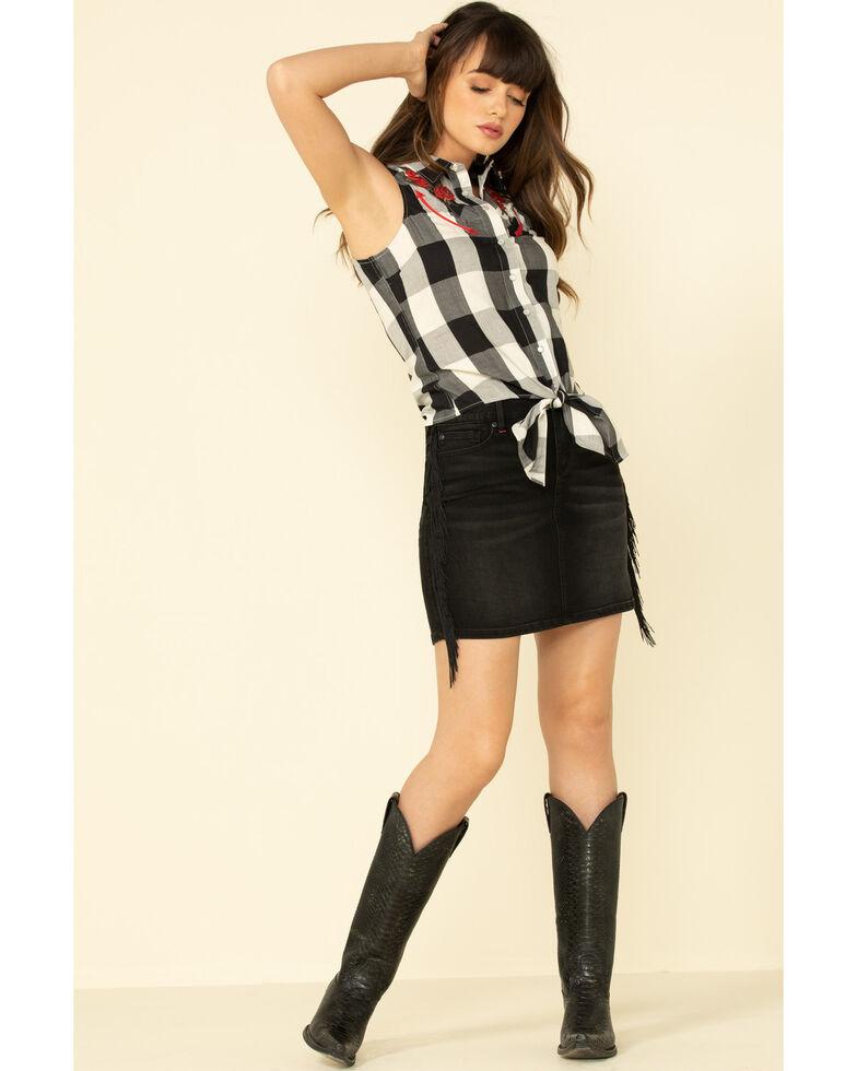 Idyllwind Women's Smile For Roses Snap Sleeveless Western Shirt, Black, hi-res
