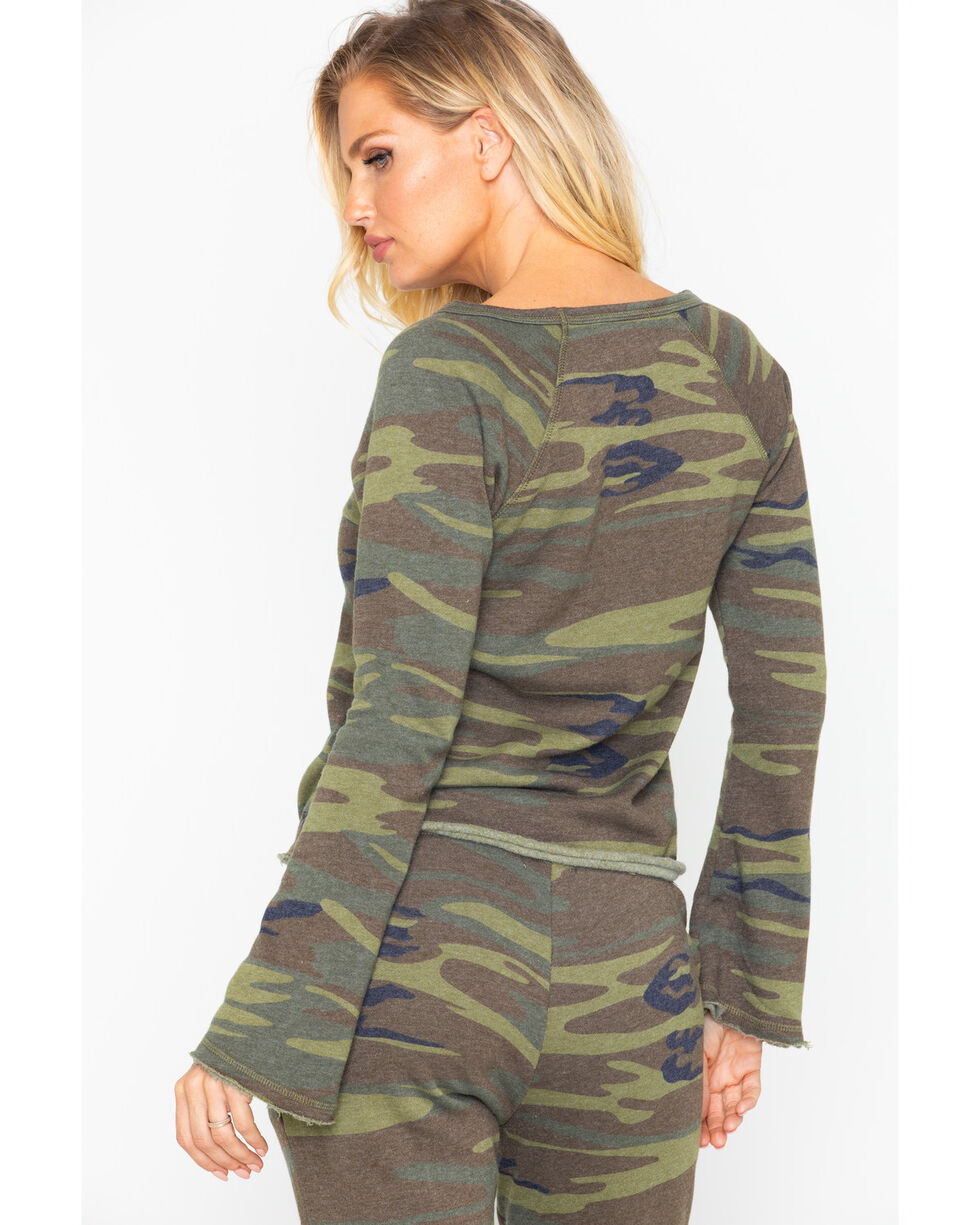 Idyllwind Women's Boss Lady Camo Favorite Fleece Top, Camouflage, hi-res