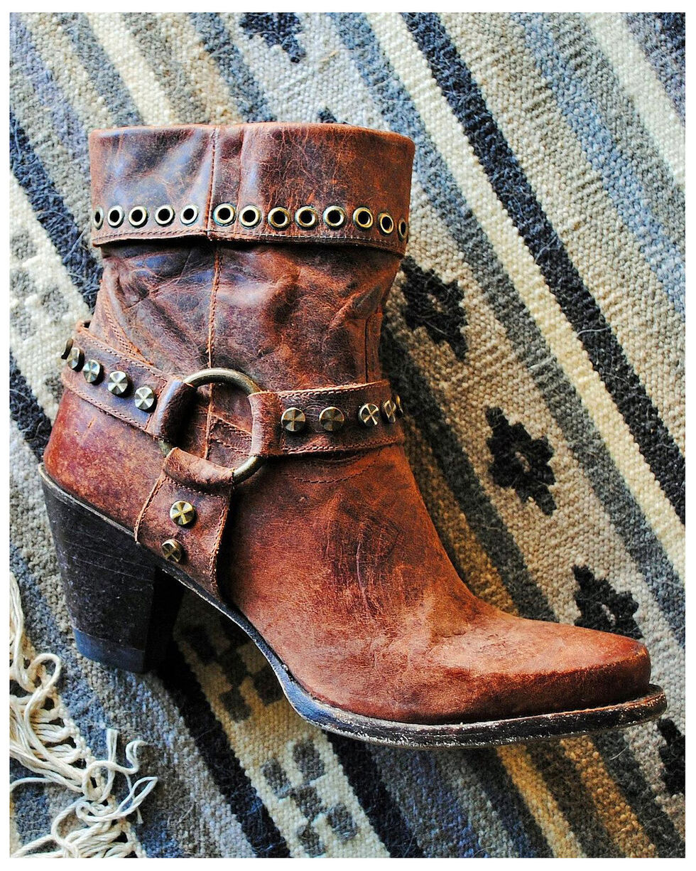 Lane Women's Turnpike Studded Harness Boots - Round Toe, Natural, hi-res