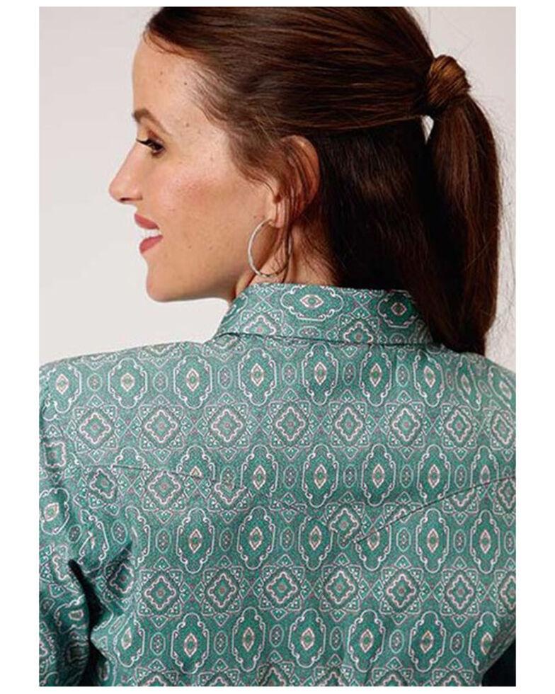 Roper Women's Jade Quarry Medallion Paisley Print Long Sleeve Snap Western Core Shirt - Plus, Teal, hi-res
