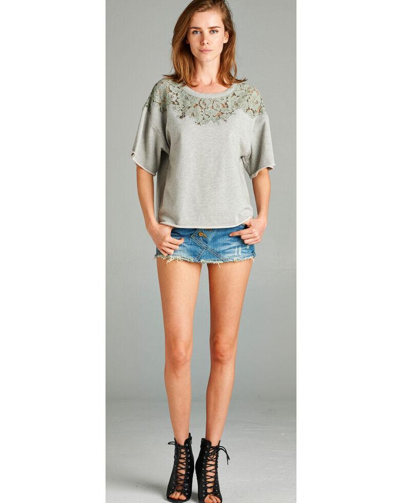 Hyku Women's Heather Grey Lace Applique Terri Top , Hthr Grey, hi-res