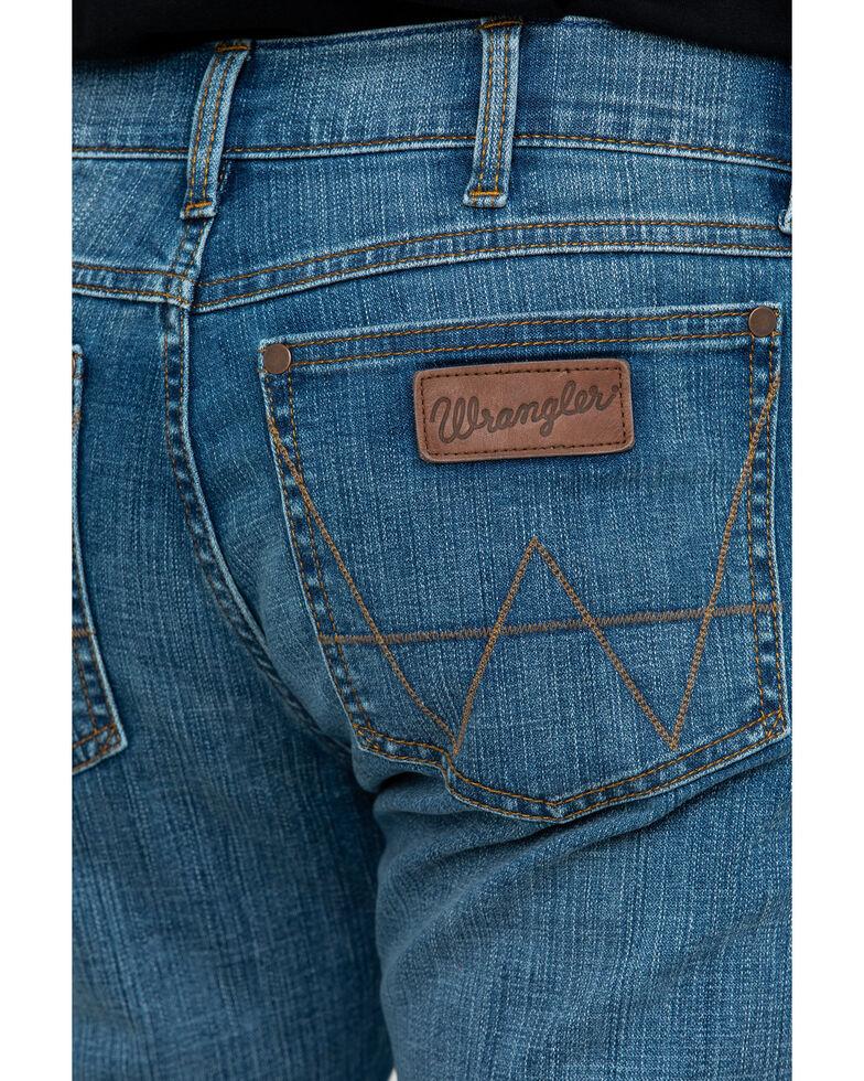 982b709c Zoomed Image Wrangler Retro Men's Beasley Slim Boot Jeans , Blue, hi-res