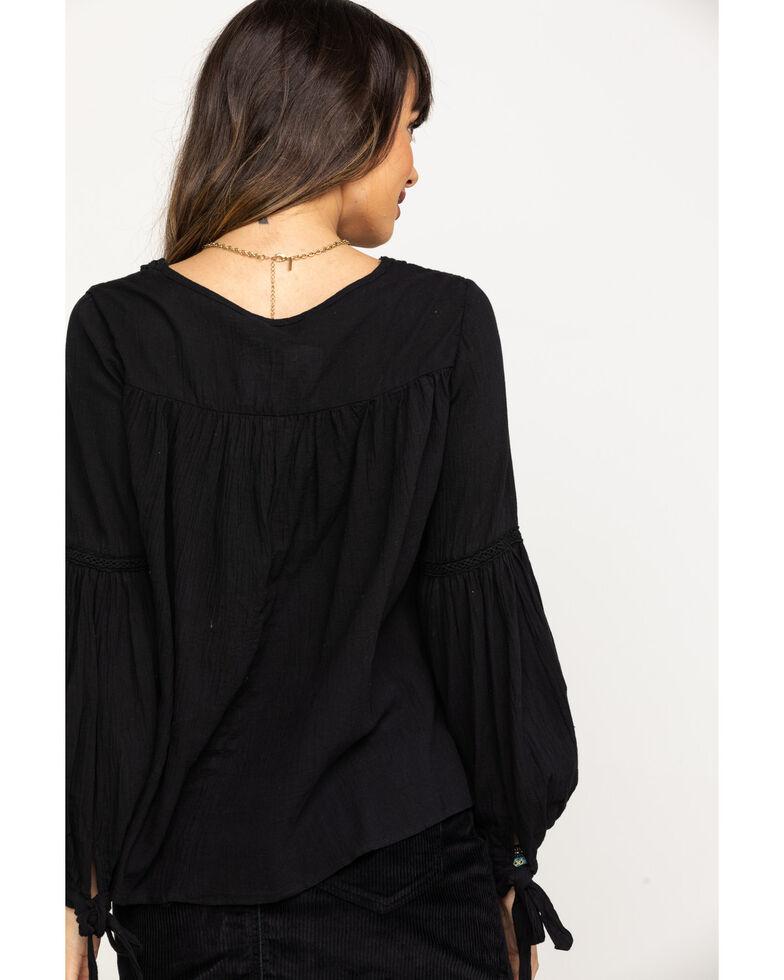 Red Label by Panhandle Women's Black Crinkle Macrame Long Sleeve Top , Black, hi-res