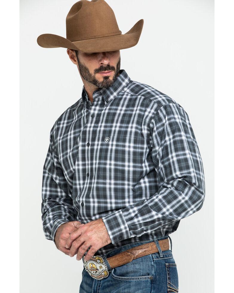 Ariat Men's Farmington Med Plaid Long Sleeve Western Shirt , , hi-res