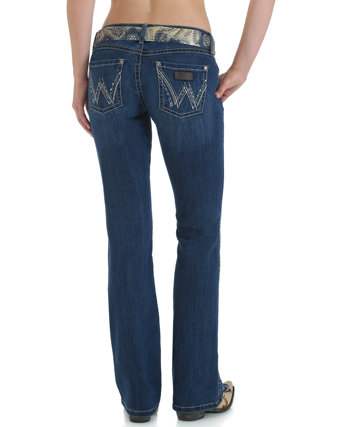 14782d86 Zoomed Image Wrangler Women's Premium Patch Sadie Boot Cut Jeans, Indigo,  hi-res. Zoomed Image ...