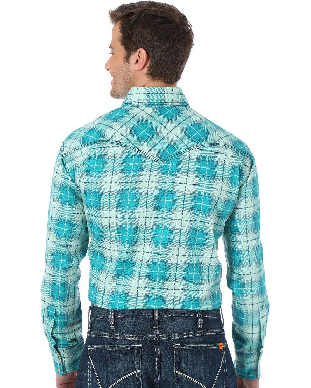 4b54c03f2536 Wrangler Men s Green Flame Resistant Fashion Plaid Shirt
