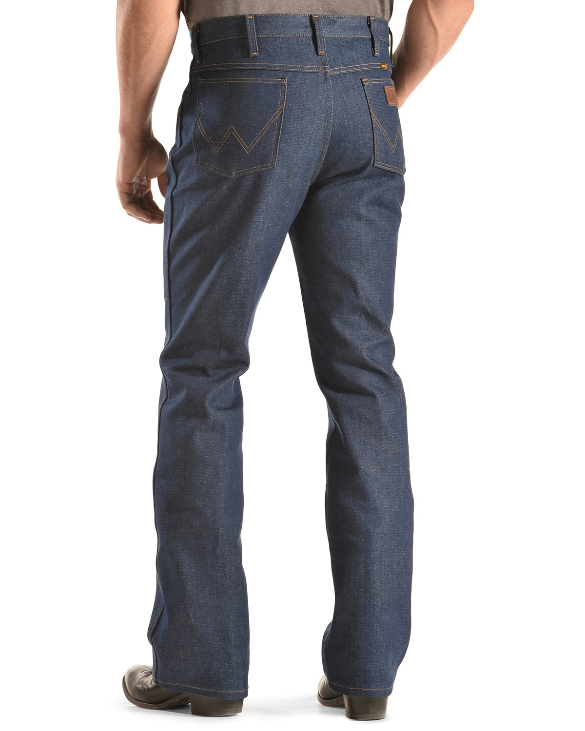01adcd7cdd8 Zoomed Image Wrangler Men's Slim Fit Traditional Boot Cut Jeans, Indigo, ...
