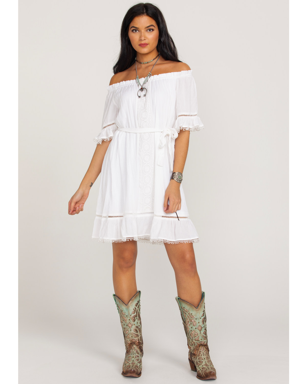 8c1762aa24ae Wrangler Women s Ruffle Peasant Lace Inset Off Shoulder Dress