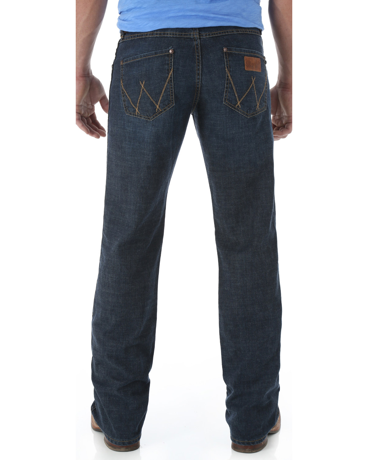 dbfc2c99a9e92 Wrangler Retro Men s Relaxed Fit Boot Cut Jeans