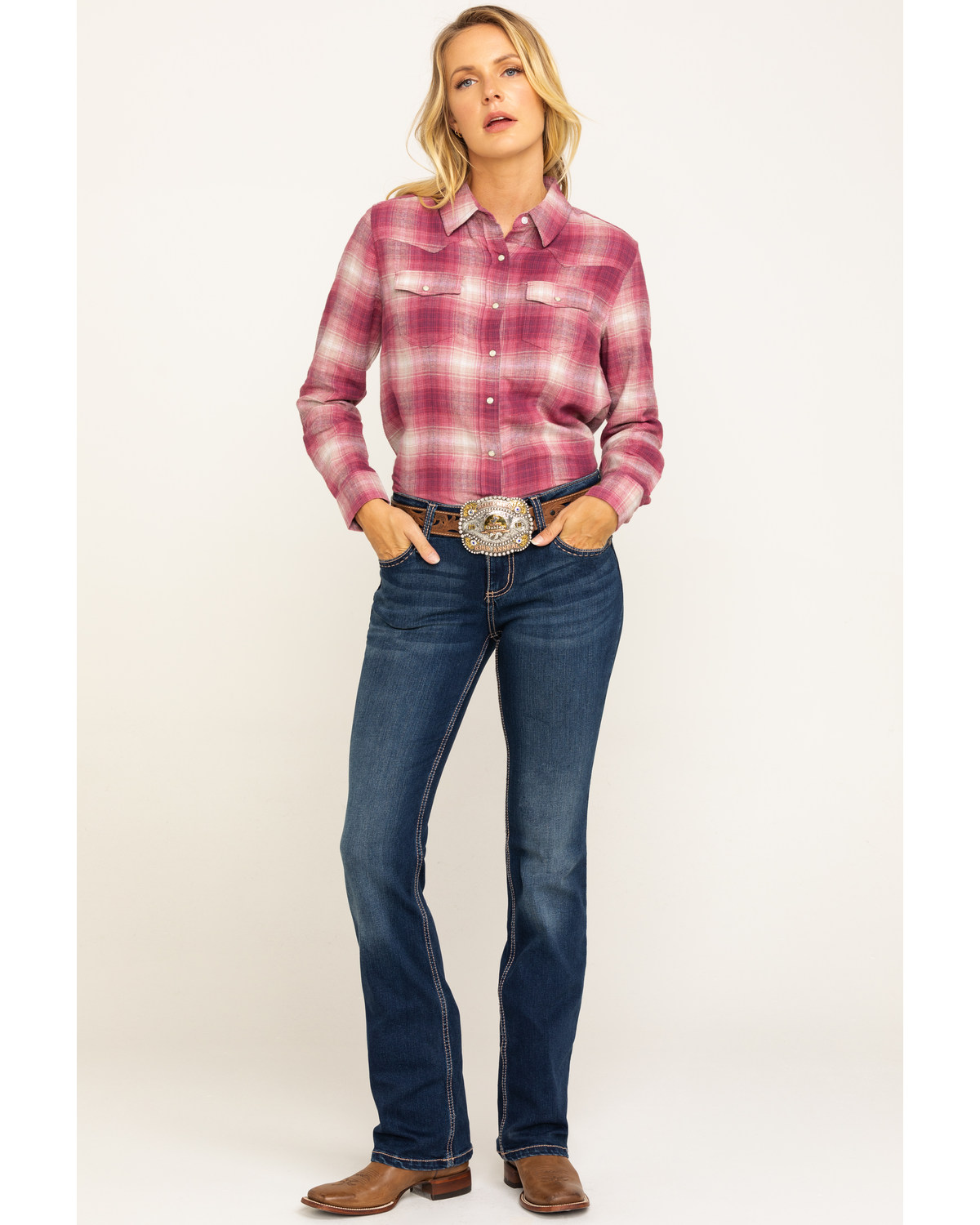 4eefe963 Zoomed Image Wrangler Retro Women's Mid-Rise Boot Cut Jeans, Indigo, ...