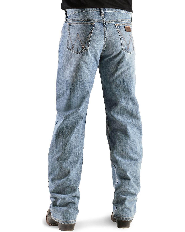 99547b03399 Zoomed Image Wrangler Men's 20X 01 Competition Jeans, Bleach Indigo, ...